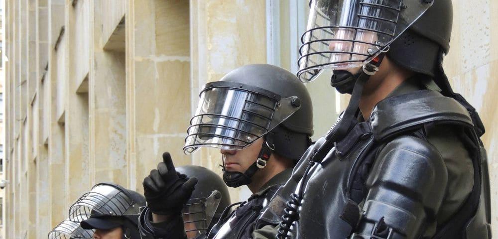 ゾンビが現れた時は警察署に逃げ込めばいいのか?