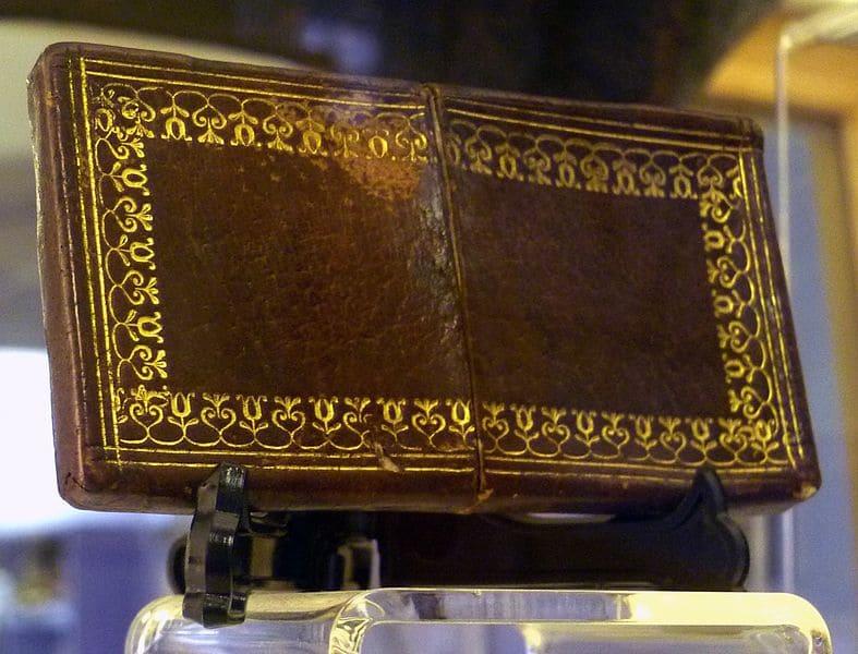 ウィリアム・バークの皮で作られた財布