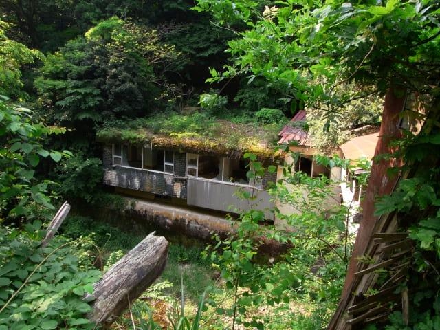 青森県の心霊スポットの「カローラ山荘」